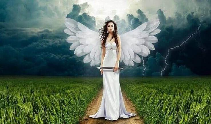 «Любите женщину за грех, который вынесла из рая…» — всё в точку...