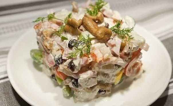 Подборка вкуснейших салатов с курицей