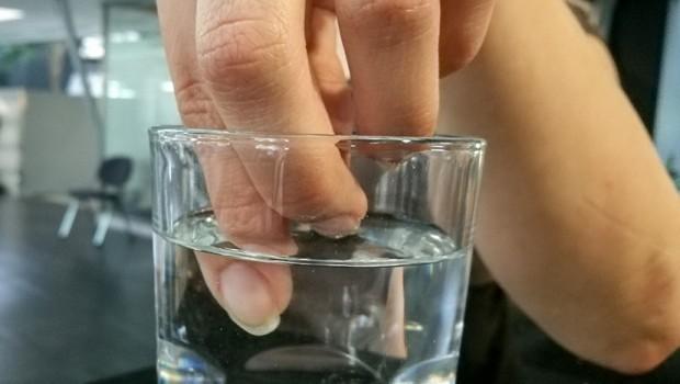 Просто опустите пальцы в холодную воду на 30 секунд и узнайте здоровы ли вы! Поразительные открытия!