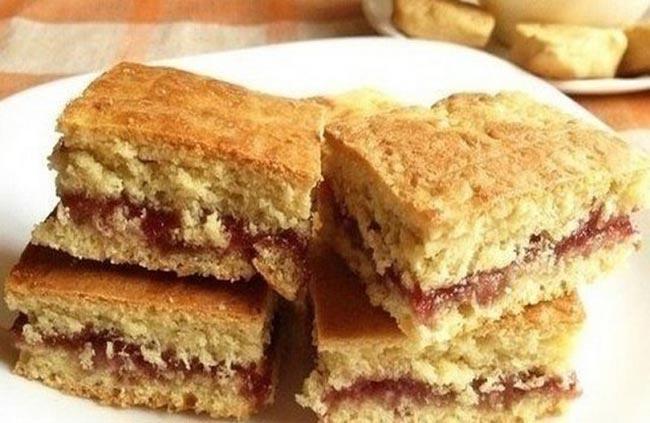 Очень вкусное домашнее печенье на кефире — простейший рецепт с вареньем