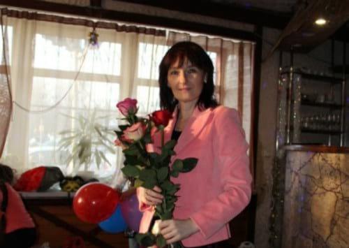 Сегодня Лиза стала звездой, но 12 лет назад родители бросили ее умирать