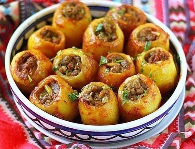Сытный, запеченный в духовке картофель, фаршированный мясом. Этот потрясающий вкус незабываем… Готовила его уже 1000 раз!