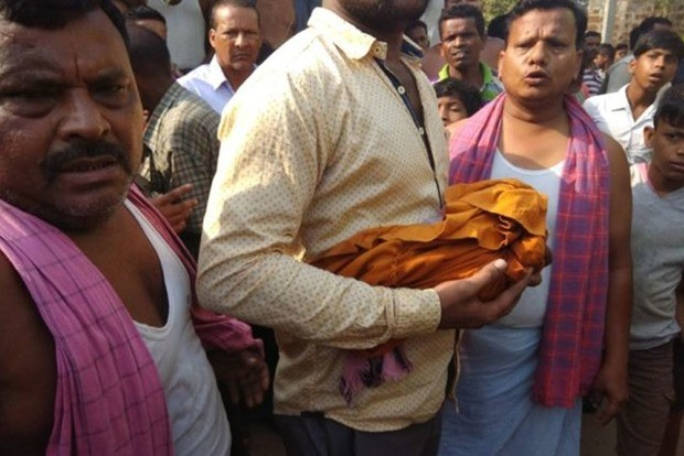 В Индии макака украла и убила ребенка