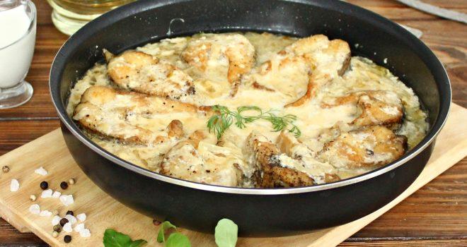 Вкуснейшее рыбное филе в сырно-сметанном соусе духовке