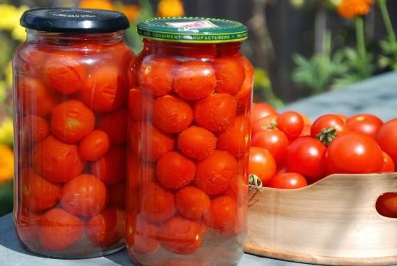 Сладенькие помидоры на зиму - безотказно вкусный рецепт!