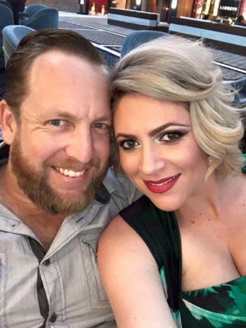 Он решил сделать фото с беременной женой. Но когда она разделась, фотограф обомлел…