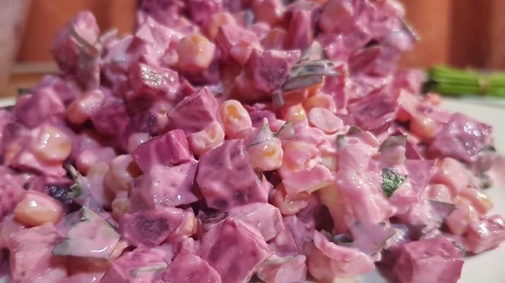 Свекольный салат на каждый день: быстро, просто и очень вкусно