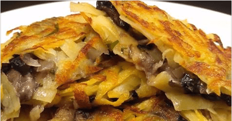 Идеальная хрустящая закуска за 15 минут: постные драники с грибами и луком