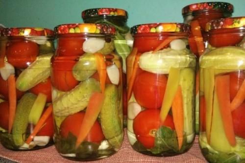 Овощное ассорти на зиму: 2 очень красивых и вкусных рецепта!