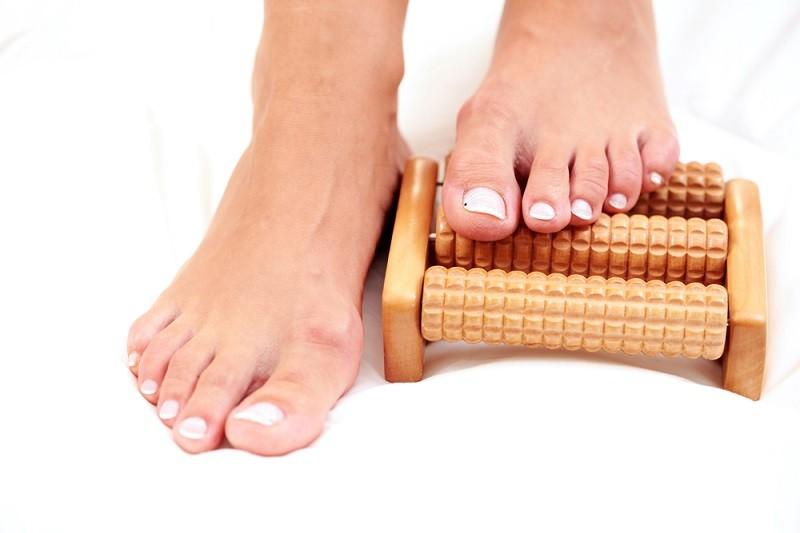 Массаж скалкой: удивительные эффекты для здоровья. Косточка на ноге пропадает, артроз стопы больше не беспокоит