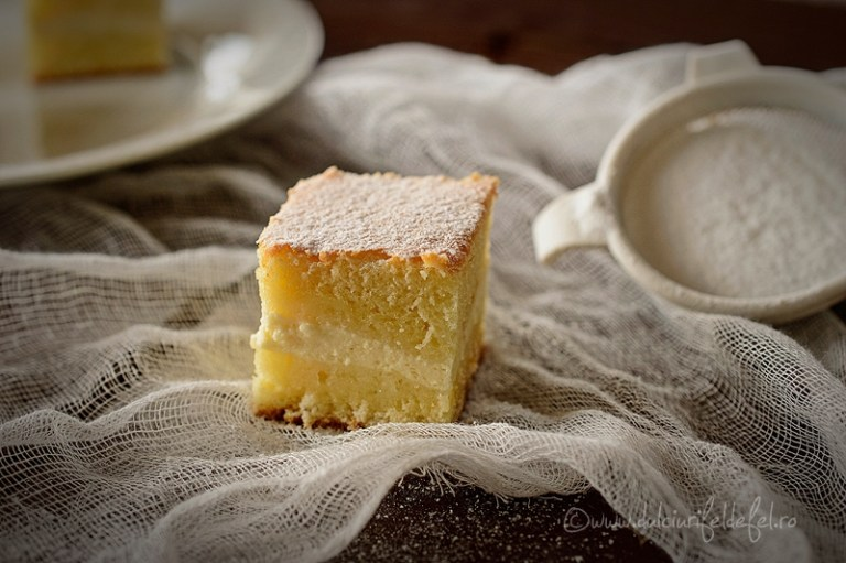 Наливной пирог с творогом — простой рецепт особенного лакомства