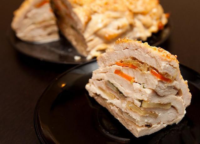 Курица «Удиви гостей» — вкуснейшее и оригинальное блюдо. Вы точно скажете спасибо!