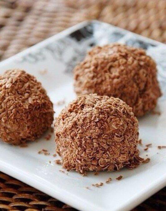 Рекомендую приготовить: превосходные конфеты из творога в шоколаде. Супер десерт!
