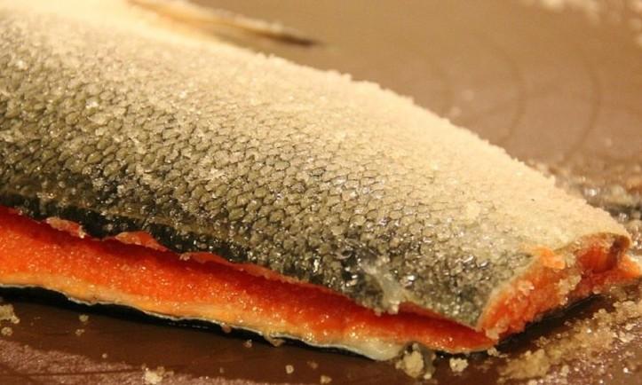Как правильно засолить красную рыбу. Базовый рецепт, который должен быть у каждой хозяйки!