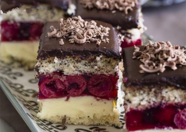 Торт Вишневая фантазия — никогда не задерживается долго на нашем столе!