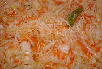 Очень вкусная маринованная капуста быстрого приготовления