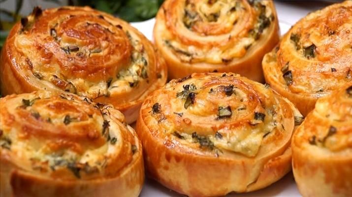 Завитушки с сыром и чесноком - для перекуса на каждый день: просто, вкусно и быстро