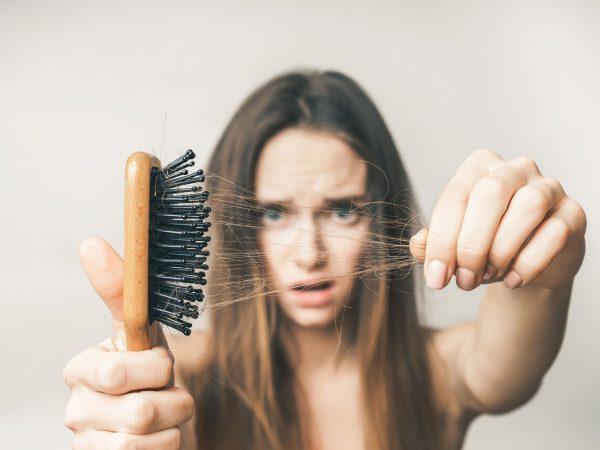 Как избавиться от выпадения волос, придать им блеск и силу. Записывайте!
