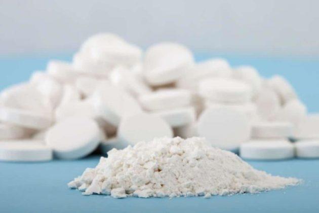 Эти таблетки есть в каждом доме, и они отлично избавляют от прыщей, перхоти и мозолей