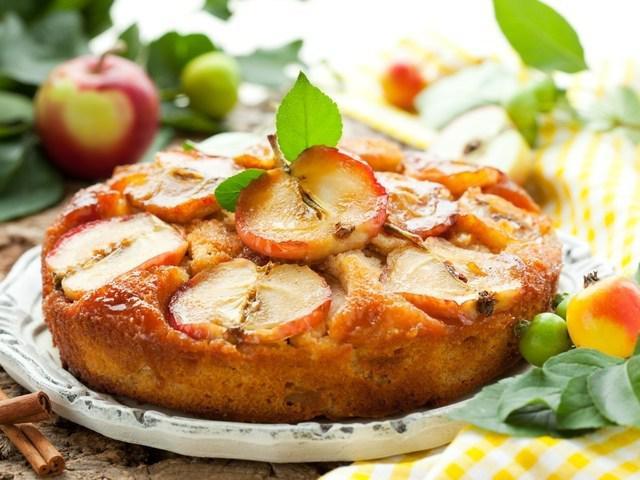 Диетическая шарлотка из яблок и хлопьев Геркулес. Полезная вкуснятина!