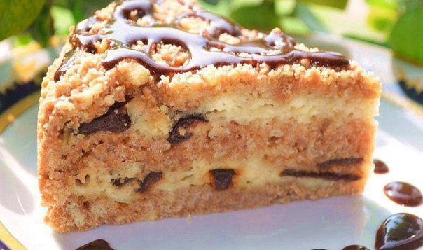 Очень простой в приготовлении, но шикарный на вкус — творожный пирог с черносливом