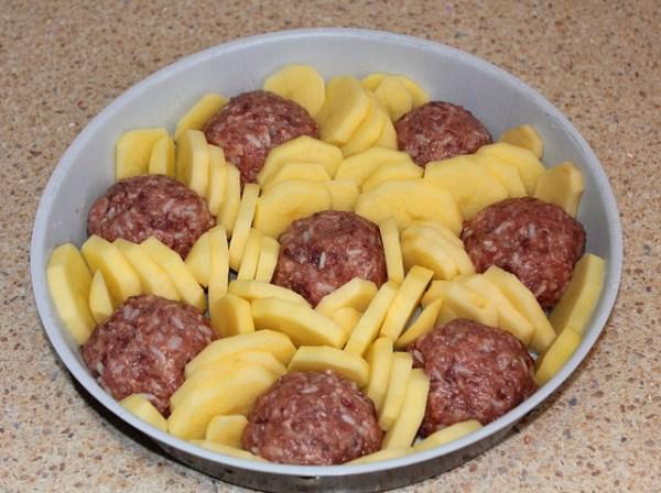 Картофель с мясом и сыром по быстрому рецепту. Вкуснейшее блюдо!