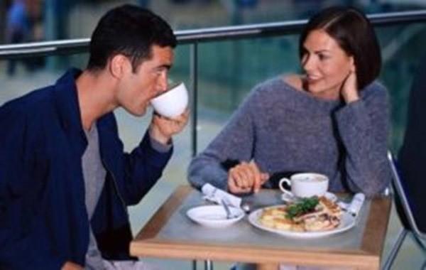 Доказано учеными: мужчины влюбляются в женщин, которые отличаются 5 чертами