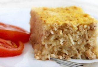 Блюда, как в детстве всегда чем-то удивительны — Вермишелевая запеканка с мясом