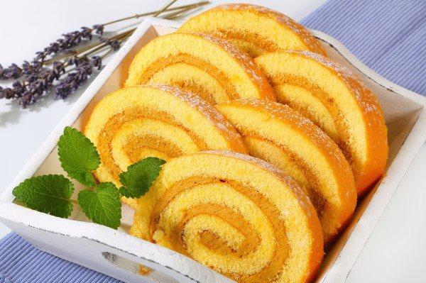 Вкуснейший десерт: ароматный рулет за 20 минут
