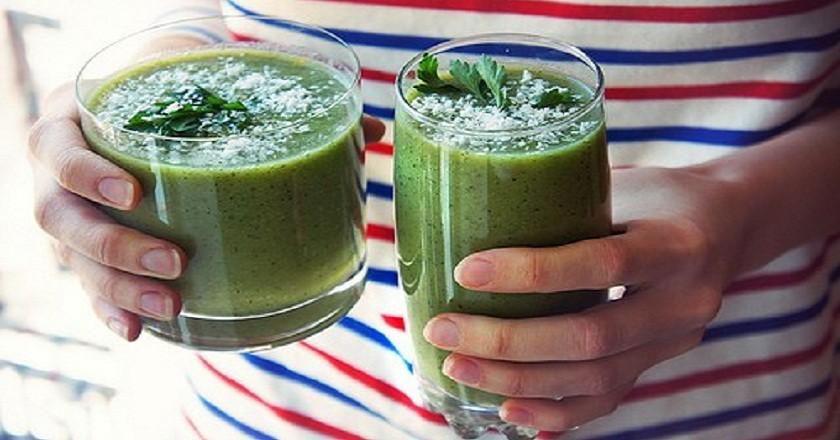 Очищающий напиток на завтрак - отлично убирает живот и бока