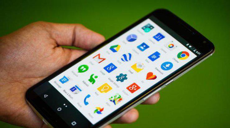 Появился вирус, который физически повреждает смартфоны на Android. Как его избежать?
