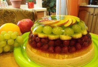 Полезнейший в мире тортик: Фрукты, фрукты, фрукты! Фруктов мало не бывает.