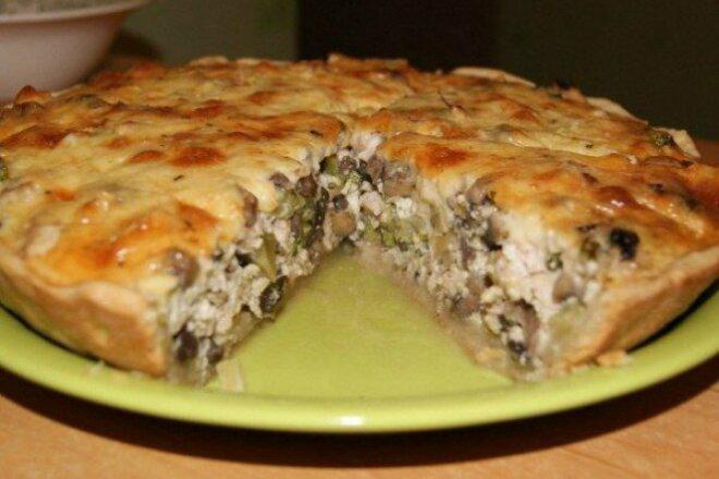 Вкуснейший пирог с курицей и сыром на скорую руку
