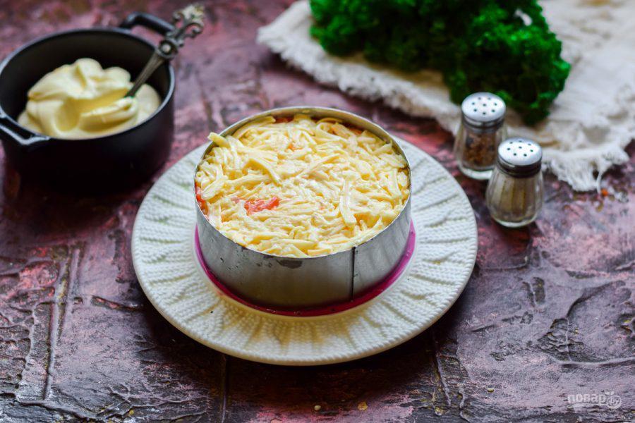 Очень вкусный и красивый слоеный салат с болгарским перцем, свеклой и сыром