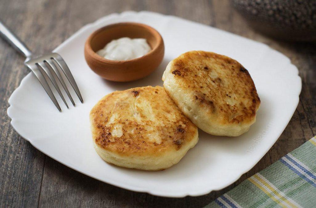 Быстрый и очень вкусный рецепт простых домашних сырников