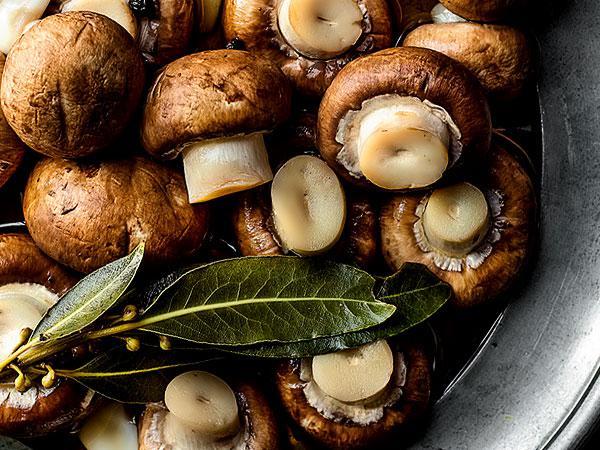 Идеальный маринад для самых разных грибов. Вкуснотища!