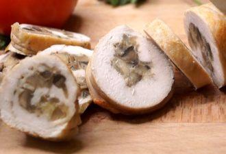 Куриный рулет с грибами и сыром: супер нарезка всего за 20 минут