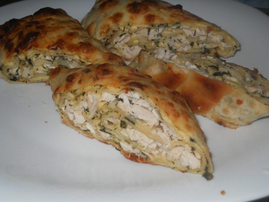 «Фаршированный» лаваш, запечённый духовке - простое и вкусное блюдо