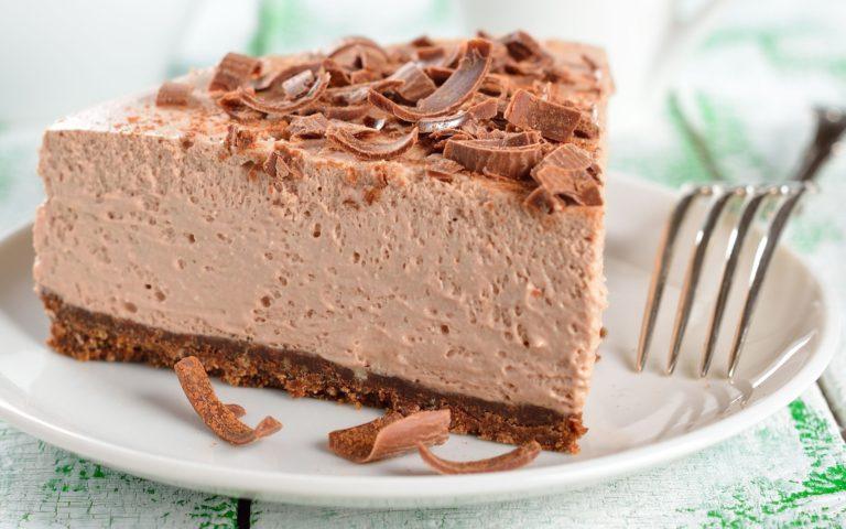 Очень нежный и ароматный шоколадный торт-суфле без выпечки