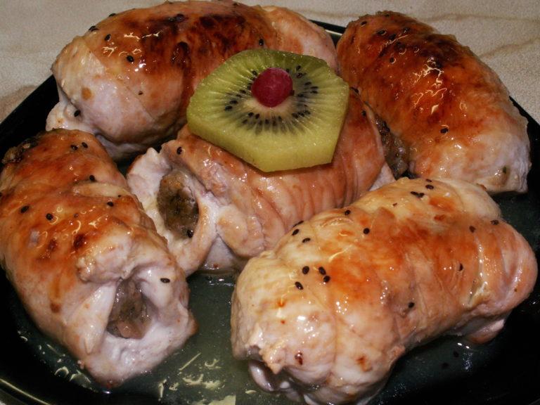 Вкуснейшие рулетики из куриного филе. По-настоящему праздничное блюдо!