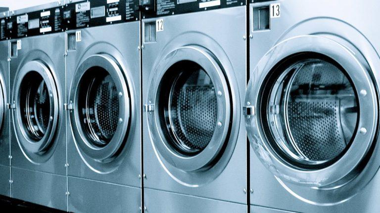 Верный способ избавиться от микробов, находящихся в стиральной машинке