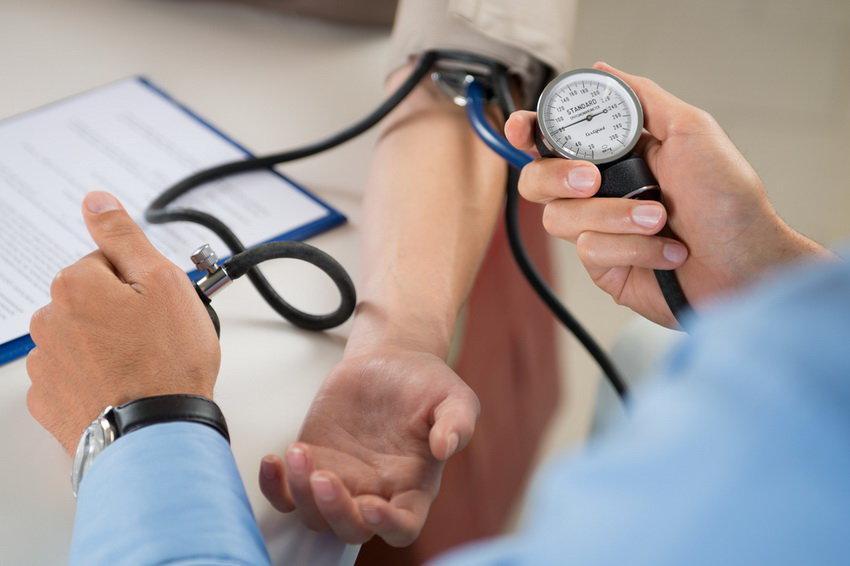 Как снизить давление без таблеток + помощь при острой гипертонии