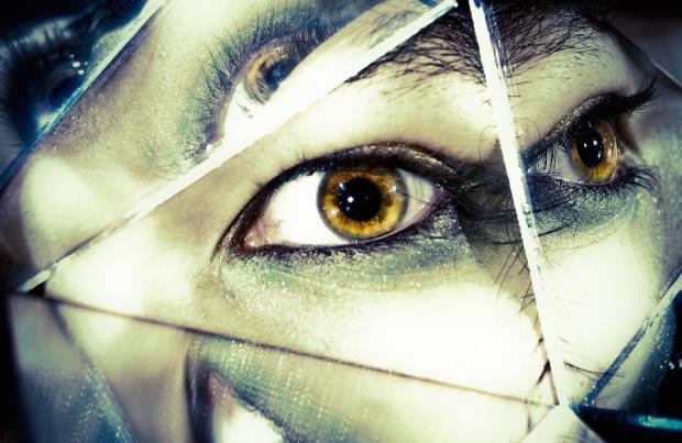 Как начинается шизофрения: 5 симптомов которые никому не стоит игнорировать