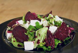 8 вкусных салатов из свеклы. Отличная подборка, сохраните обязательно!
