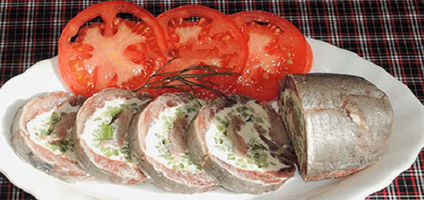 Вкуснейший рулетик из селедочки: готовится быстро и легко