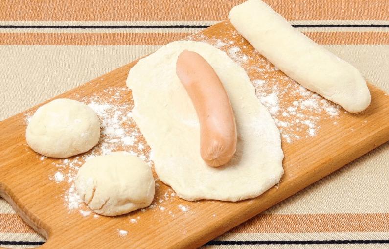 Тесто для самых пышных и мягеньких пирожков с сосиской