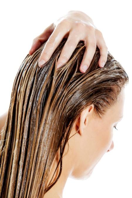 Эта витаминная смесь быстро восстановит поврежденные волосы без дорогих салонных процедур!