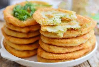 Жарим тончайшие пирожки с картошкой на кефире. Вкуснятина!