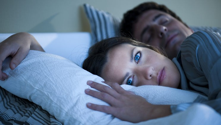 Почему мы очень часто просыпаемся по ночам — поясняют израильские учёные