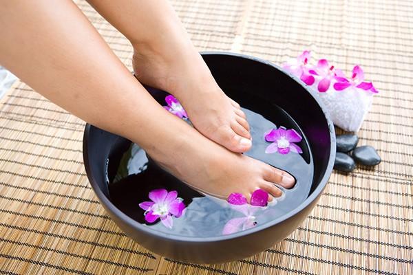 Для чего наносить соду на ноги. 7 уникальных рецептов для вашей красоты и здоровья!